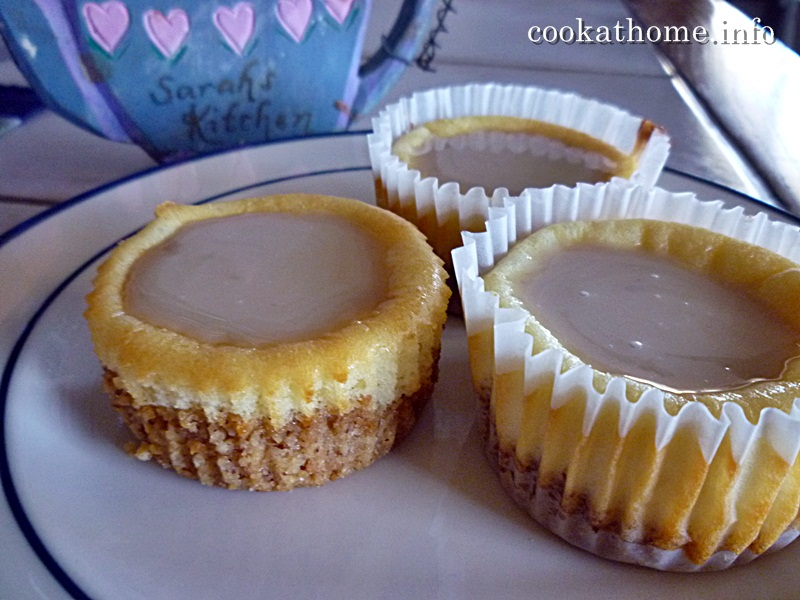 2015-03-20 Mini caramel cheesecakes