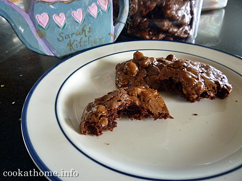 2015-03-28 Chocolate crackle cookies #2