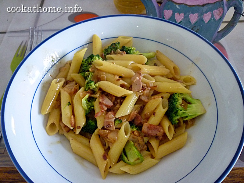2015-05-10 Bacon & broccoli pasta
