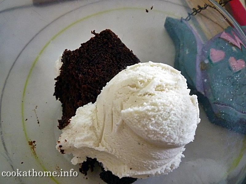 2015-05-10 Henry's chocolate cake