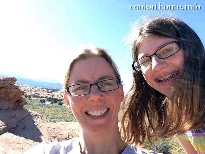 2015-06-09 Sarah & Abby at Moab
