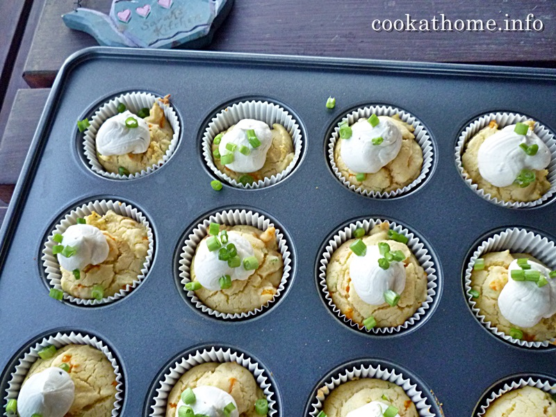2015-11-08 'Ruth' Savory cornbread muffins