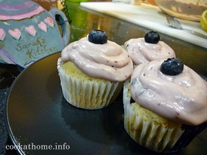 2016-01-17 'Patience' lemon blueberry cupcakes
