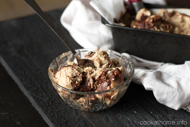 Almond butter ice cream with a fudgy chocolate swirl throughout, with no refined sugar, gluten and dairy-free and Paleo-friendly! #almondbutter #icecream #cookathome #glutenfree #dairyfree