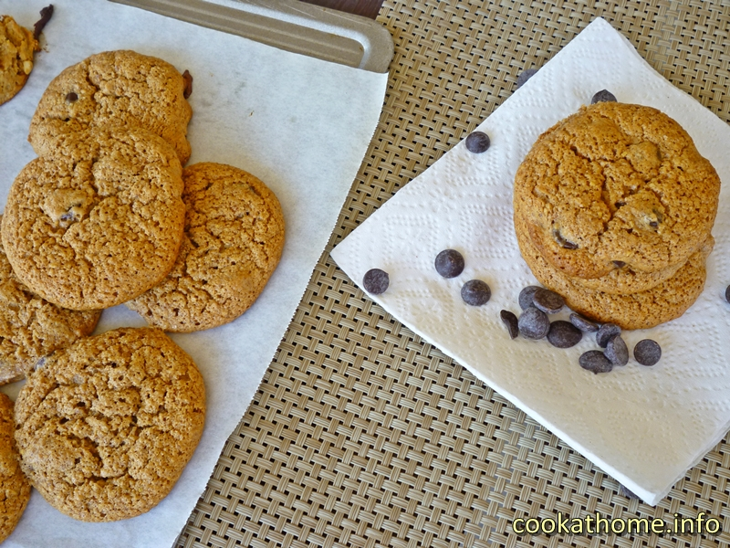 Almond choc chip cookies (800x600)
