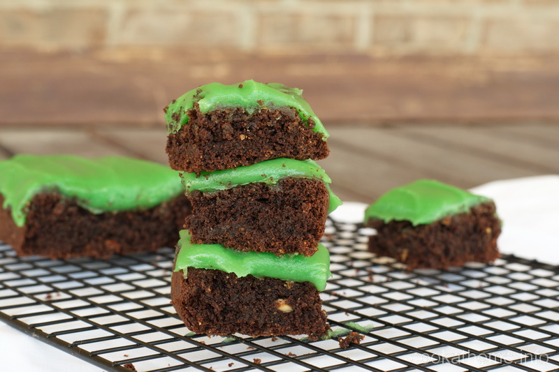 Brownies that are healthy with a minty-flavor - grain-free, gluten-free and refined-sugar-free. #brownies #cookathome #paleo #glutenfree #dairyfree