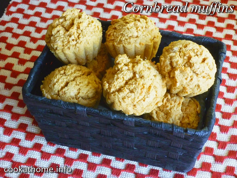 Cornbread muffins red paint