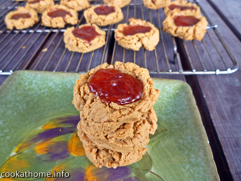 What's better than peanut butter and jelly cookies? Double the peanuts, of course! Love this gluten, dairy and refined-sugar free twist on the classic! #peanutbutter
