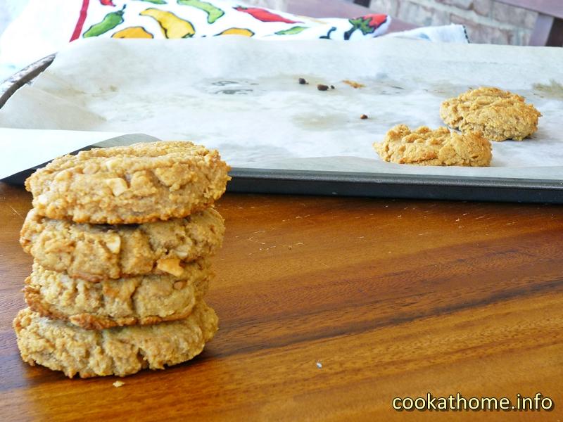 Flourless peanut butter cookies (800x600)