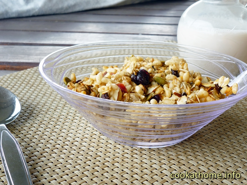 A crispy and crunchy granola full of puffed rice, oats, nuts and seeds, all inspired by Gordon Ramsay himself - enjoy this granola by Gordon! #granola