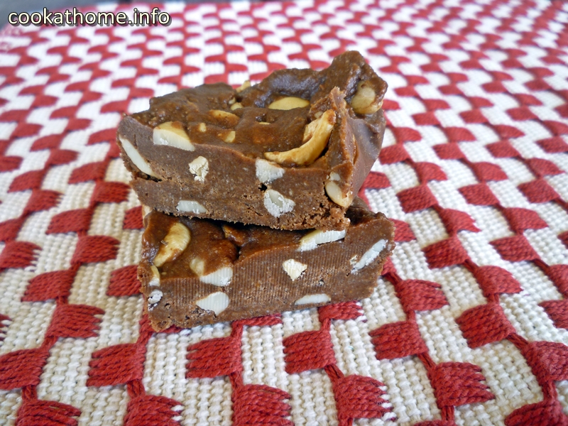 A healthy, gluten-free, no bake chocolate fudge nut slice that is heaven in your mouth. Healthy chocolate? You bet! #healthychocolate