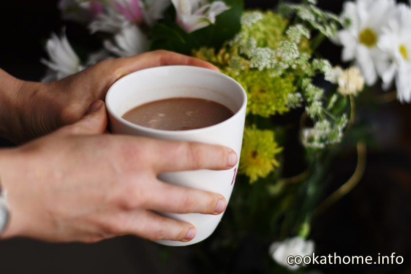 For the times you want hot chocolate, just for you, this dairy-free treat will warm you from the inside out #hotchocolate