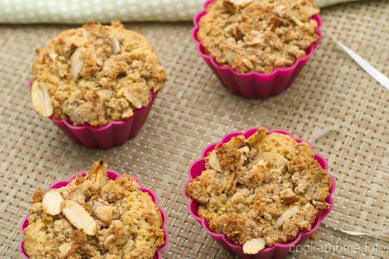 A moist and Paleo-friendly maple crumb cupcake, using simple ingredients such as maple syrup, almond meal and eggs to get your tastebuds dancing #cupcake