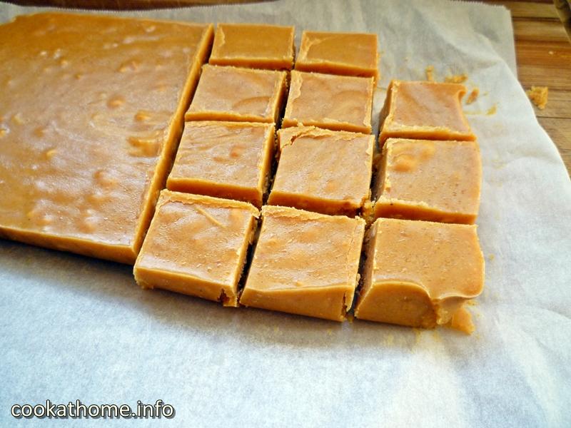 pumpkin-peanut-butter-fudge-800x600