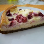 White chocolate berry baked cheesecake