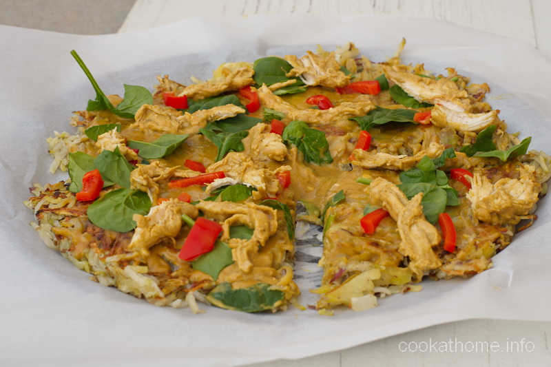 Peanut satay chicken potato pizza with spinach and peppers - what could be better for pizza nights? #satay