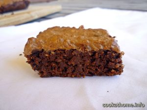 Sweet potato brownies - rich, fudge-like Paleo-friendly brownies made with sweet potatoes, and naturally sweetened only with dates #brownies