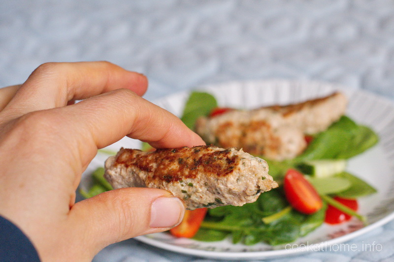 A great Middle Eastern option for an easy weeknight dinner, these turkey koftas have great flavor and so easy to make. #koftas