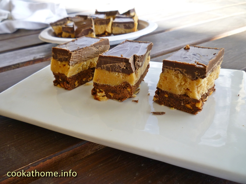 ultimate-peanut-butter-slice-800x600